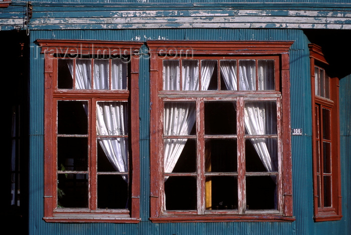 chile197: Chonchi, Chiloé island, Los Lagos Region, Chile: window and curtains of the historic Hotel Huilden - photo by C.Lovell - (c) Travel-Images.com - Stock Photography agency - Image Bank
