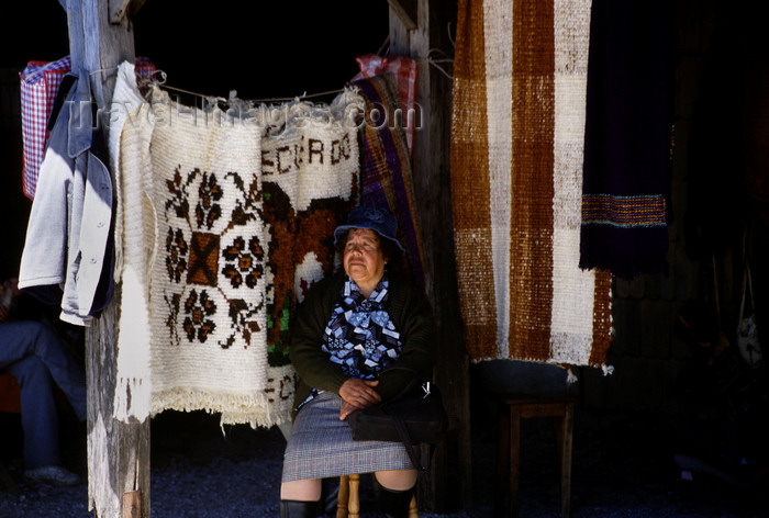 chile206: Dalcahue, Chiloé island, Los Lagos Region, Chile: artisan at the Sunday market – wool products - Feria Artesanal - photo by C.Lovell - (c) Travel-Images.com - Stock Photography agency - Image Bank