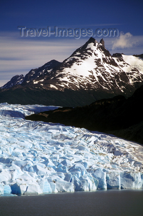 chile247: Torres del Paine National Park, Magallanes region, Chile: peaks and glacier head - the massive wall of ice that is Grey Glacier ends at Grey Lake - Chilean Patagonia - photo by C.Lovell - (c) Travel-Images.com - Stock Photography agency - Image Bank