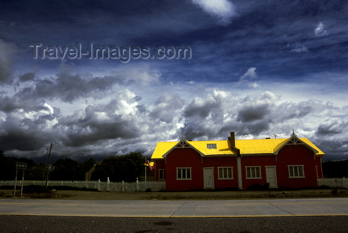 chile255: Estancia San Gregório, Magallanes region, Chile: once a 90.000 hectare cattle and wool production ranch is now a ghost estancia with the exception of a few new buildings - Chilean Patagonia - photo by C.Lovell - (c) Travel-Images.com - Stock Photography agency - Image Bank