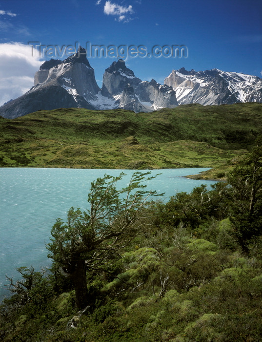 chile280: Torres del Paine National Park, Magallanes region, Chile: Cuernos del Paine - the Horns of Paine peaks seen from above Lake Nordenskjöld – Chilean Patagonia - photo by C.Lovell - (c) Travel-Images.com - Stock Photography agency - Image Bank