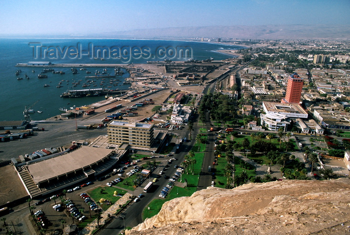 chile33: Arica, Arica and Parinacota region, Chile: view of the city and its harbour as seen from Morro de Arica Rock – Plaza Vicuña Mackenna and Av. Máximo Lira - photo by C.Lovell - (c) Travel-Images.com - Stock Photography agency - Image Bank
