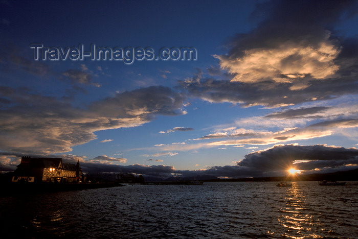 chile37: Puerto Natales, Magallanes region, Chile: sunset over the bay – Seno Última Esperanza - Chilean Patagonia - photo by C.Lovell - (c) Travel-Images.com - Stock Photography agency - Image Bank