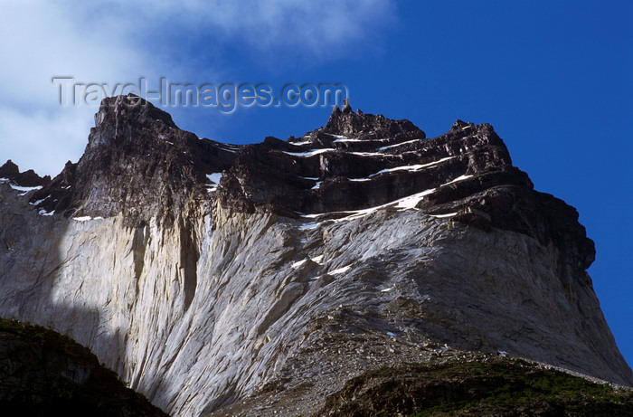 chile49: Torres del Paine National Park, Magallanes region, Chile: the peak called East Horn, Cuerno Este, of Cuernos del Paine - Chilean Patagonia - photo by C.Lovell - (c) Travel-Images.com - Stock Photography agency - Image Bank