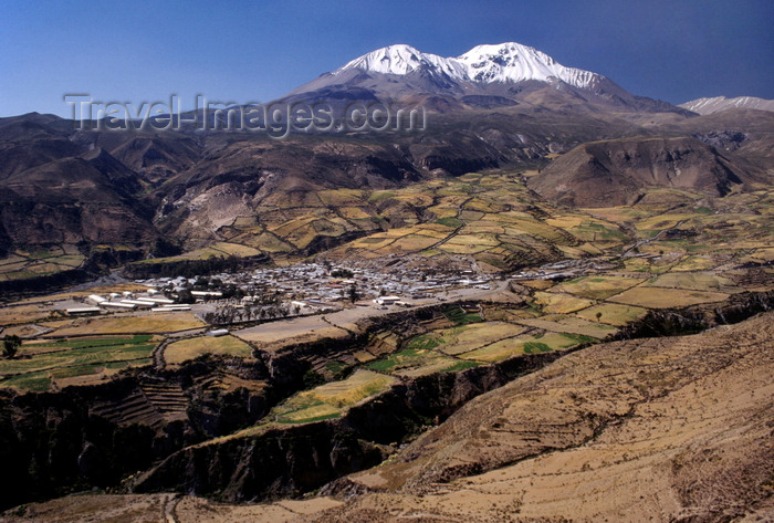 chile53: Putre, Arica and Parinacota region, Chile: this Aymara village sits at 11,400 feet elevation on the outskirts of Lauca National Park - summits of Mount Taapaca - Andes - Northern Chile - photo by C.Lovell - (c) Travel-Images.com - Stock Photography agency - Image Bank