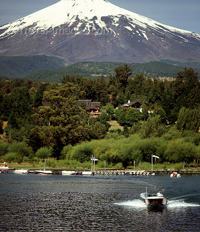 chile98: Araucanía Region, Chile - Lake Villarica: boat and view of Villarica volcano, Villarica NP - photo by Y.Baby - (c) Travel-Images.com - Stock Photography agency - Image Bank