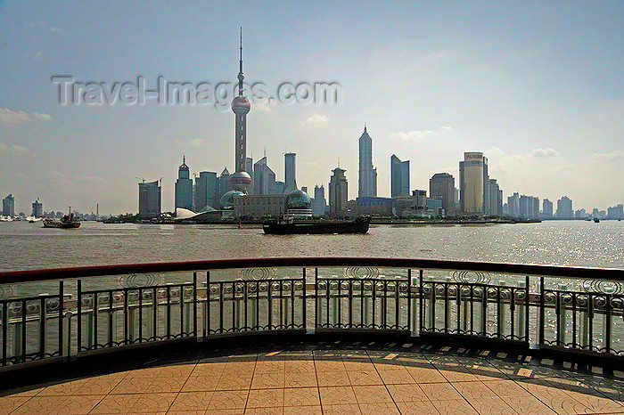 china263: Shanghai, China: the Oriental Pearl Tower, or Dongfangmingzhu TV tower - Pudong skyscrapers - photo by Y.Xu - (c) Travel-Images.com - Stock Photography agency - Image Bank