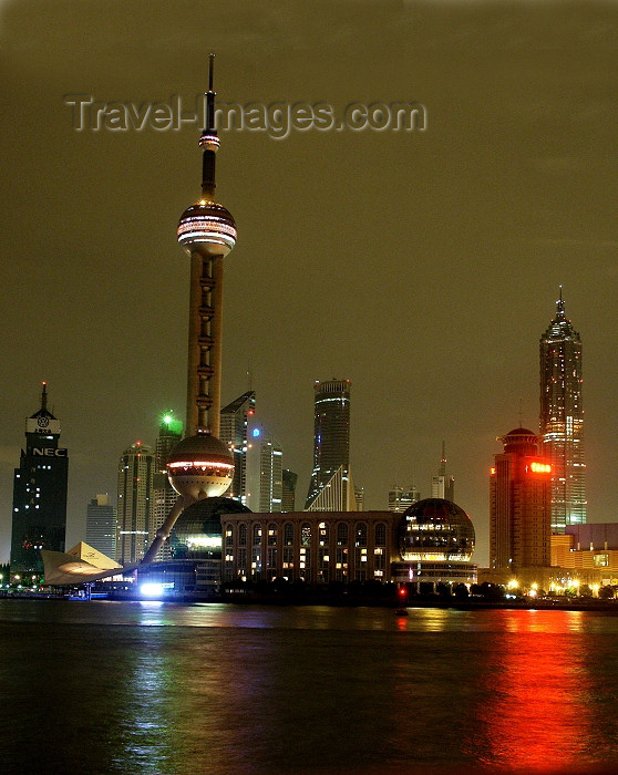 china31: China - Shanghai / SHA: Pearl of the Orient on the Yangtze river - Pudong tower - photo by G.Friedman - (c) Travel-Images.com - Stock Photography agency - Image Bank