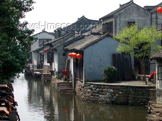 china48: China - Shanghai: Zhouzhuang water village - quiet canal - photo by F.Hoskin - (c) Travel-Images.com - Stock Photography agency - Image Bank