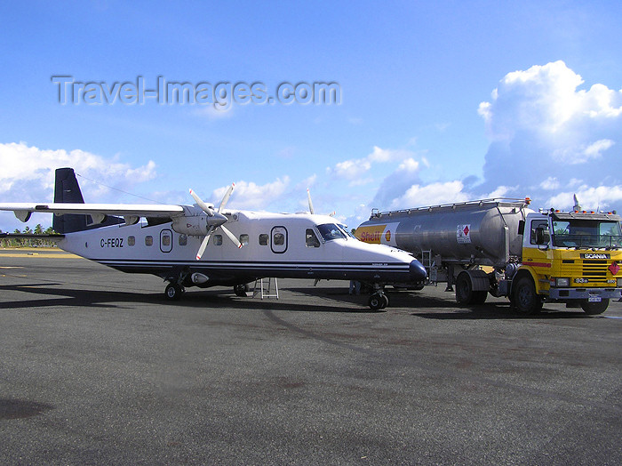 cocos-islands10: Cocos islands / Keeling islands / XKK - West Island: refuelling a Dornier 228  - aircraft - airliner - Cocos Islands International Airport - Shell fuel truck- photo by Air West Coast - (c) Travel-Images.com - Stock Photography agency - Image Bank
