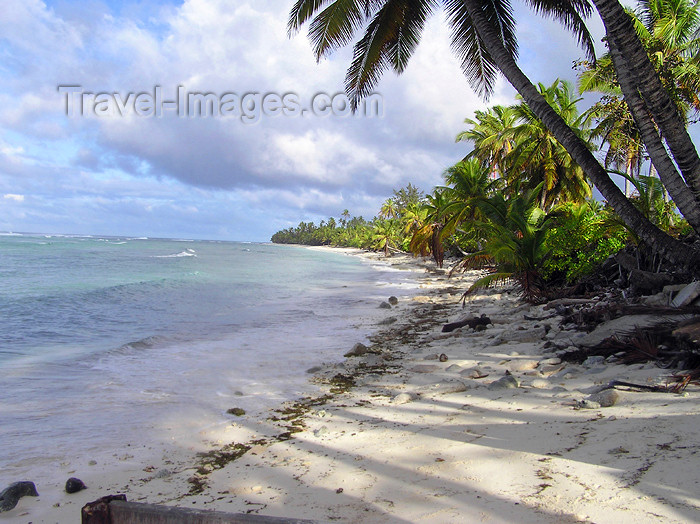 cocos-islands6: Cocos islands / Keeling islands / XKK - West Island: sandy beach - looking north - photo by Air West Coast - (c) Travel-Images.com - Stock Photography agency - Image Bank