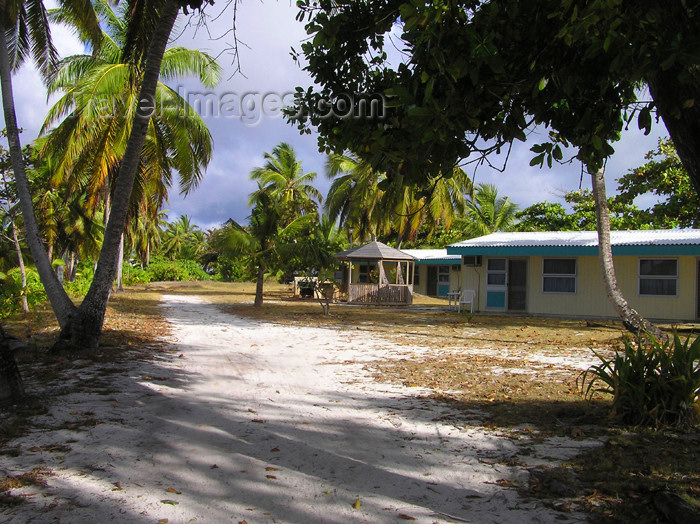 cocos-islands8: Cocos islands / Keeling islands / XKK: tourist accommodation on the atoll - bungalows - photo by Air West Coast - (c) Travel-Images.com - Stock Photography agency - Image Bank