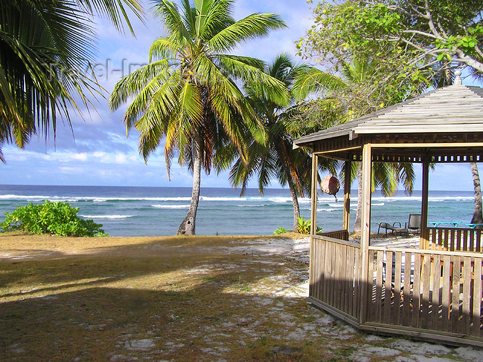 cocos-islands9: Cocos islands / Keeling islands / XKK  - West Island:  West Island: view of the Indian Ocean - Tourist shelter by the beach - gazebo - photo by Air West Coast - (c) Travel-Images.com - Stock Photography agency - Image Bank