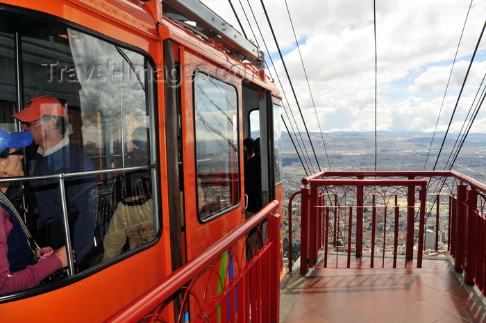 colombia109: Bogotá, Colombia: Monserrate cable car waits for the last passenger - cableway system designed by the swiss company Von Roll - Monserrate Hill - Teleférico a Monserrate - Santa Fe - photo by M.Torres - (c) Travel-Images.com - Stock Photography agency - Image Bank