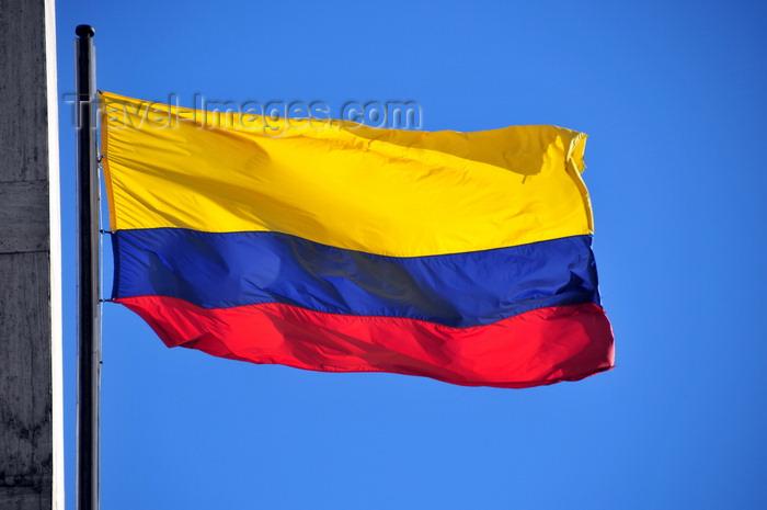 colombia117: Bogotá, Colombia: Colombian flag - Banco de la Republica - Tricolor Nacional - barrio Veracruz - Santa Fe - photo by M.Torres - (c) Travel-Images.com - Stock Photography agency - Image Bank