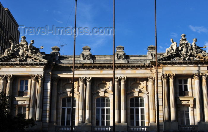 colombia124: Bogotá, Colombia: building of Universidad del Rosario - Palacio de San Francisco - architect Gastón Lelarge - neo-classical architecture, 'Republican style' - high window-doors with oculi and fluted columns of the Corinthian order - former headquarters of the Government of Cundinamarca - Av. Jiménez - Veracruz - Santa Fe - photo by M.Torres - (c) Travel-Images.com - Stock Photography agency - Image Bank