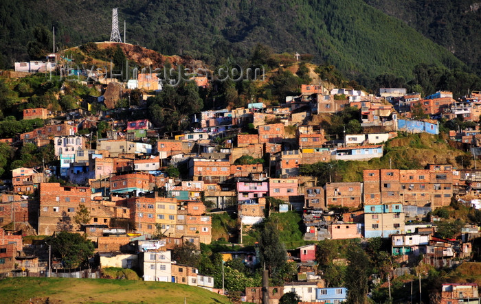colombia126: Bogotá, Colombia: slum - shanty town at the base of Cerro Guadalupe - tugurios - favela - Santa Fe - photo by M.Torres - (c) Travel-Images.com - Stock Photography agency - Image Bank