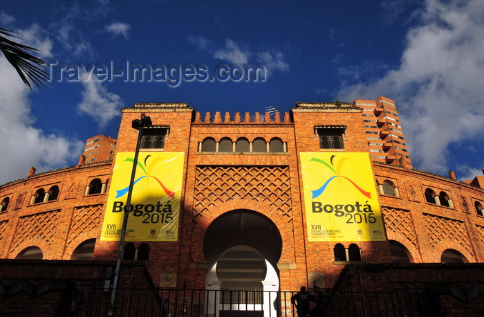 colombia135: Bogotá, Colombia: Santamaría bullring - Neo Mudéjar style - Moorish and Andalusian architecture - Plaza de Toros de Santamaría - Carrera 7 at Calle 26 - Centro Internacional de Bogotá - barrio San Diego - Santa Fe - photo by M.Torres - (c) Travel-Images.com - Stock Photography agency - Image Bank