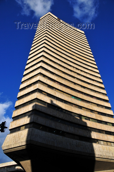 colombia140: Bogotá, Colombia: tower of the Comptroller General of Colombia - Contraloría General de la República - architect Obregón Valenzuela - Calle 17, Carrera Décima / Avenida Fernando Mazuera Villegas - skyscraper - Veracruz - Santa Fe - photo by M.Torres - (c) Travel-Images.com - Stock Photography agency - Image Bank