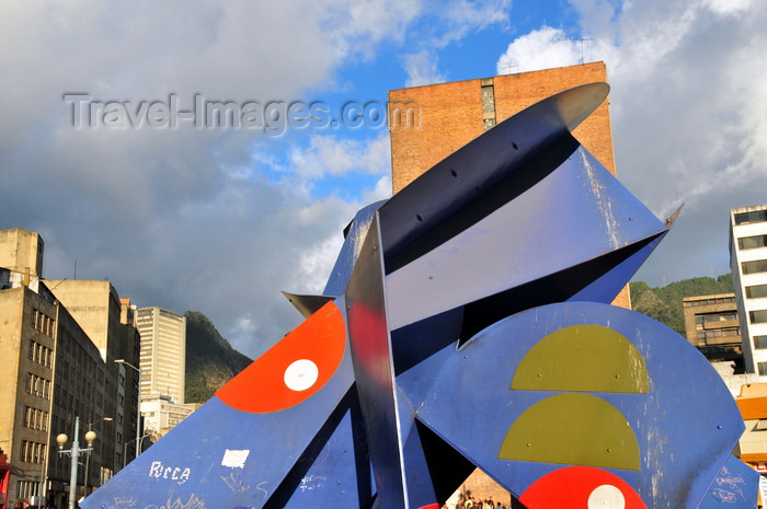 colombia141: Bogotá, Colombia: Plaza San Victorino - The Butterfly / La Mariposa - modern scuplture by Edgar Negret - constructivist tradition - barrio La Capuchina - Santa Fe - photo by M.Torres - (c) Travel-Images.com - Stock Photography agency - Image Bank