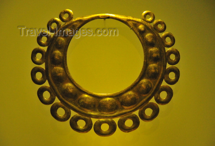 colombia145: Bogotá, Colombia: Gold Museum - Museo del Oro - gold jewelry - embossing goldworking technique - pre-Hispanic metallurgy - photo by M.Torres - (c) Travel-Images.com - Stock Photography agency - Image Bank