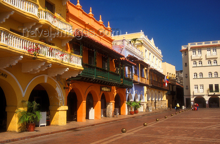 colombia15: Colombia - Cartagena: plaza de los Coches - photo by D.Forman - (c) Travel-Images.com - Stock Photography agency - Image Bank