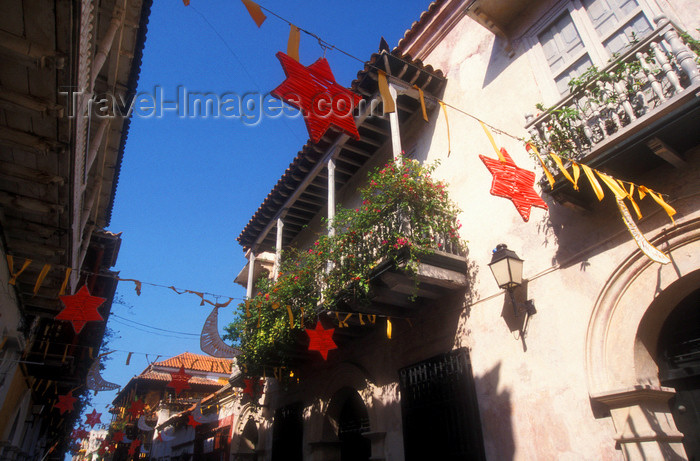 colombia2: Colombia - Cartagena: balconies and festival flags - photo by D.Forman - (c) Travel-Images.com - Stock Photography agency - Image Bank
