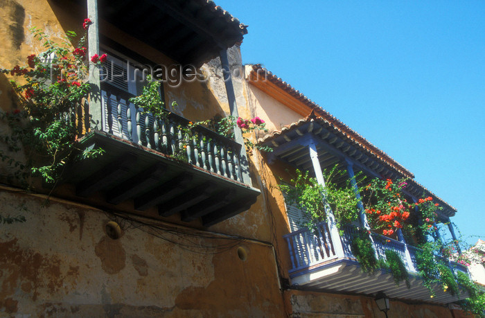 colombia3: Colombia - Cartagena: old balconies with flowers - photo by D.Forman - (c) Travel-Images.com - Stock Photography agency - Image Bank