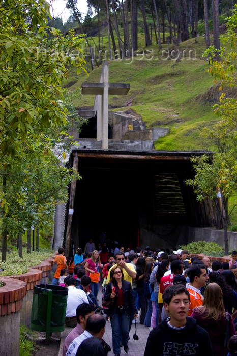 colombia32: Zipaquirá, department of Cundinamarca, Colombia: pilgrims at the main entrance to the Salt Cathedral of Zipaquirá - Catedral de Sal de Zipaquirá - photo by E.Estrada - (c) Travel-Images.com - Stock Photography agency - Image Bank