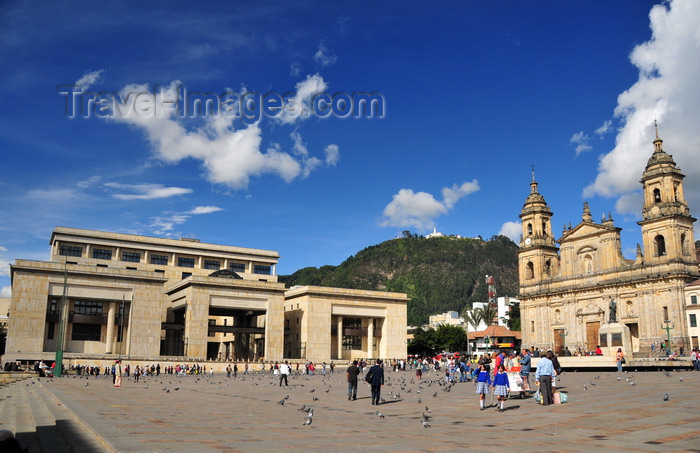 colombia63: Bogotá, Colombia: life of Bolivar square - Plaza de Bolivar - Justice Palace and Cathedral - Monserrat hill in the background - La Candelaria - photo by M.Torres - (c) Travel-Images.com - Stock Photography agency - Image Bank