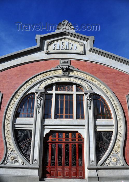 colombia97: Bogotá, Colombia: Teatro Faenza - art nouveau façade - this movie theatre was built as a ceramics factory - Calle 22 - barrio Las Nieves - Santa Fe - photo by M.Torres - (c) Travel-Images.com - Stock Photography agency - Image Bank
