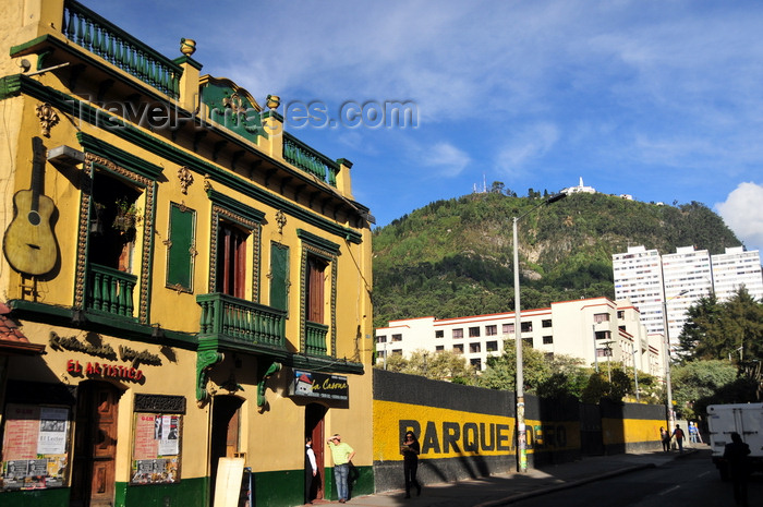 colombia98: Bogotá, Colombia: Calle 24 - Edificio Torres Blancas and Montserrat Hill in the background - barrio Las Nieves - Santa Fe - photo by M.Torres - (c) Travel-Images.com - Stock Photography agency - Image Bank