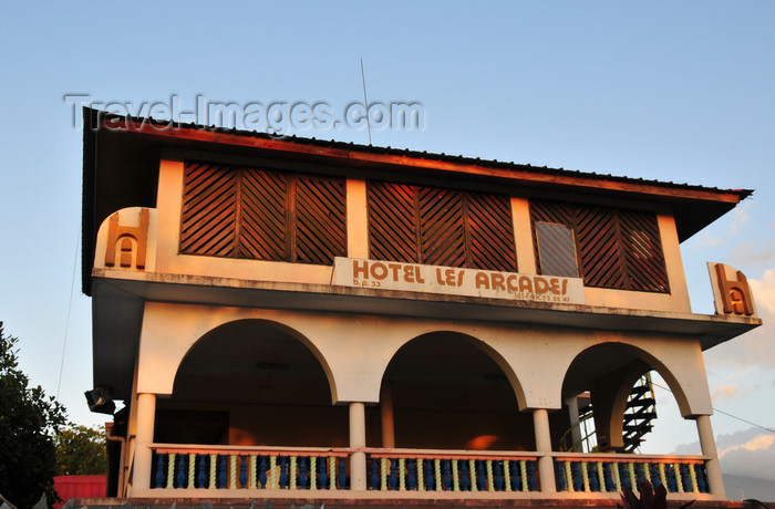 comoros102: Moroni, Grande Comore / Ngazidja, Comoros islands: Hotel les Arcades - Corniche - photo by M.Torres - (c) Travel-Images.com - Stock Photography agency - Image Bank