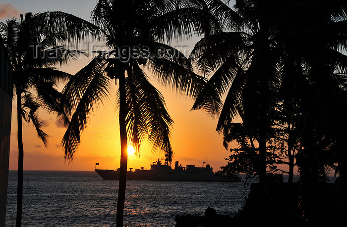 comoros15: Moroni, Grande Comore / Ngazidja, Comoros islands: coconut trees and warship at sunset - view from the Corniche - photo by M.Torres - (c) Travel-Images.com - Stock Photography agency - Image Bank