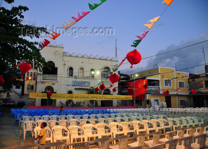 comoros24: Moroni, Grande Comore / Ngazidja, Comoros islands: Place de Badjanani, Mtsangani - chairs ready for a 'Grand Mariage', a nine day long wedding party - City Hall - photo by M.Torres - (c) Travel-Images.com - Stock Photography agency - Image Bank