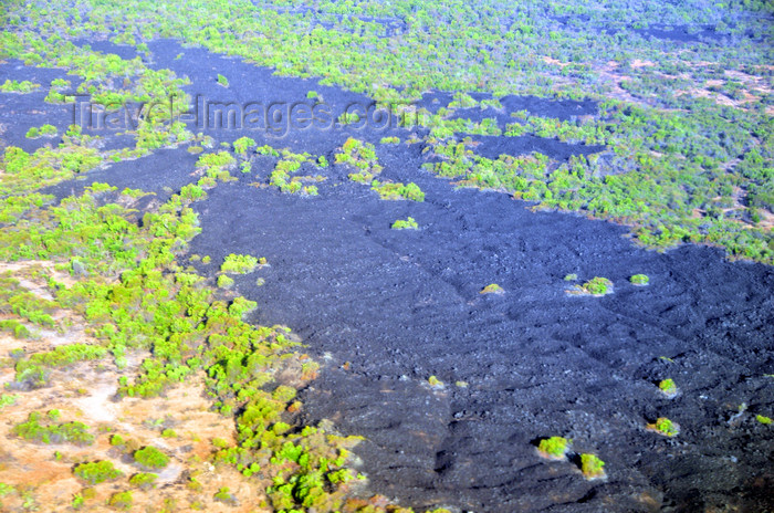 comoros3: Voidjou, Grande Comore / Ngazidja, Comoros islands: lava field from the Mount Karthala eruption - photo by M.Torres - (c) Travel-Images.com - Stock Photography agency - Image Bank
