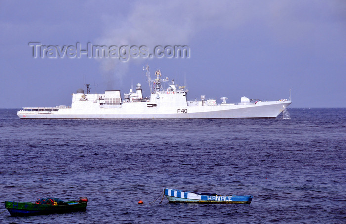 comoros34: Moroni, Grande Comore / Ngazidja, Comoros islands: INS Talwar F40 - Talwar Class Frigate - built at the Baltic Shipyard, St Petersburg - Indian navy warship - photo by M.Torres - (c) Travel-Images.com - Stock Photography agency - Image Bank