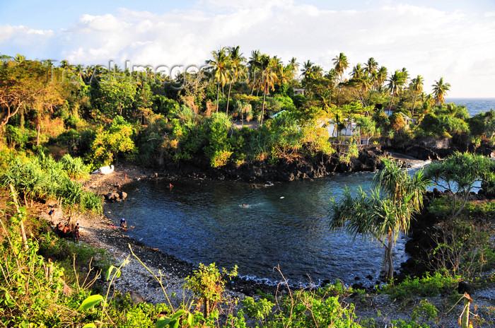 comoros5: Voidjou, Grande Comore / Ngazidja, Comoros islands: beach and small cove  - photo by M.Torres - (c) Travel-Images.com - Stock Photography agency - Image Bank
