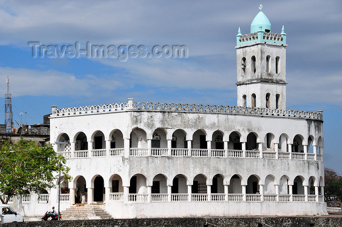 comoros89: Moroni, Grande Comore / Ngazidja, Comoros islands: Old Friday Mosque - Ancienne mosquée du Vendredi - photo by M.Torres - (c) Travel-Images.com - Stock Photography agency - Image Bank