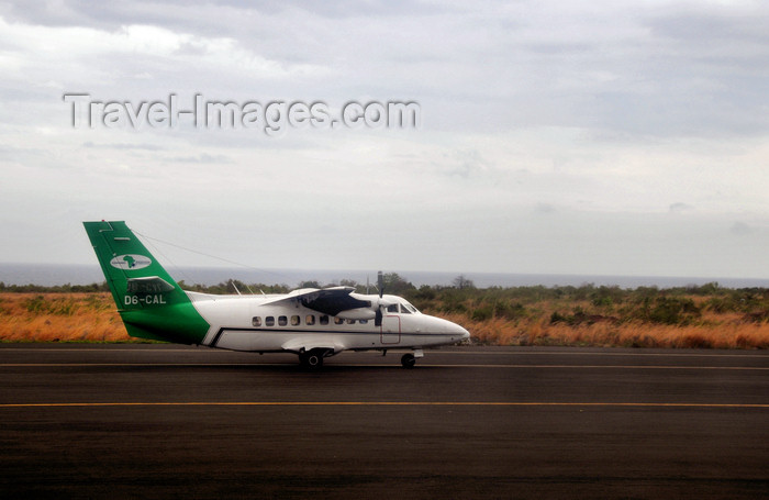 comoros9: Hayahaya, Grande Comore / Ngazidja, Comoros islands: LET L-410 Turbolet D6-CAL Comores Aviation International - aircraft landing at Prince Said Ibrahim International Airport - HAH - photo by M.Torres - (c) Travel-Images.com - Stock Photography agency - Image Bank