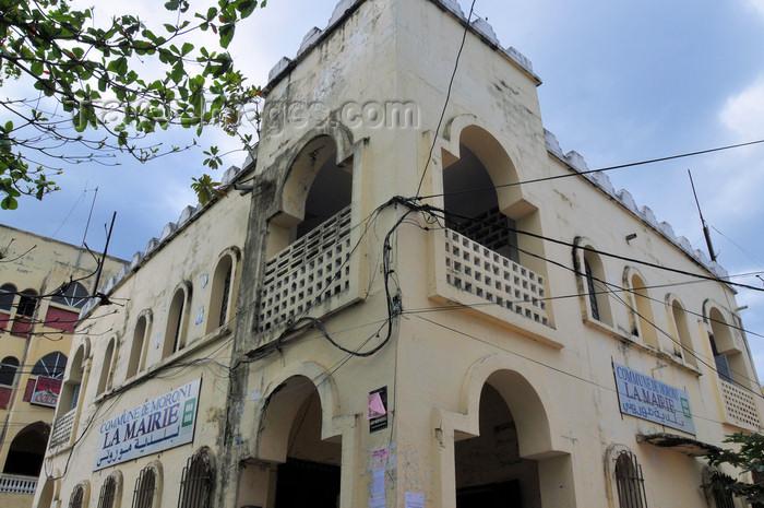 comoros92: Moroni, Grande Comore / Ngazidja, Comoros islands: City Hall on Place de Badjanani - La Mairie - photo by M.Torres - (c) Travel-Images.com - Stock Photography agency - Image Bank