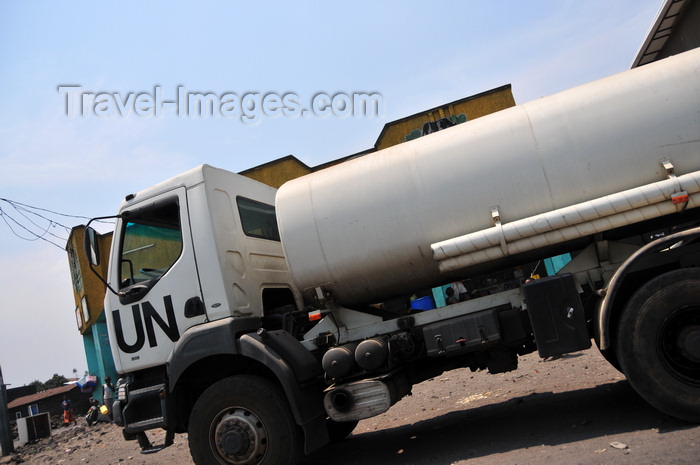 congo-dr19: Goma, Nord-Kivu, Democratic Republic of the Congo: UN truck used the distribution of potable water - photo by M.Torres - (c) Travel-Images.com - Stock Photography agency - Image Bank