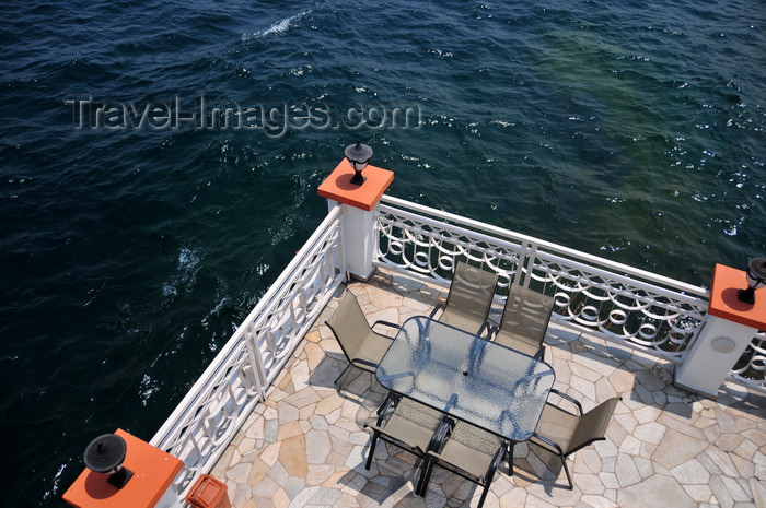 congo-dr30: Goma, Nord-Kivu, Democratic Republic of the Congo: tranquil terrace over Lake Kivu - Kap Kivu Hotel - photo by M.Torres - (c) Travel-Images.com - Stock Photography agency - Image Bank
