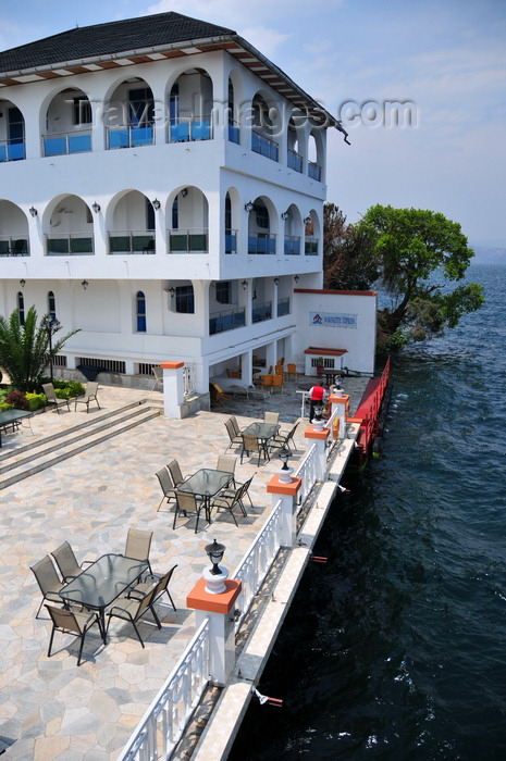 congo-dr31: Goma, Nord-Kivu, Democratic Republic of the Congo: tables on Lake Kivu waterfront - Kap Kivu Hotel - Marinette Express docking area, boat service to Bukavu - photo by M.Torres - (c) Travel-Images.com - Stock Photography agency - Image Bank
