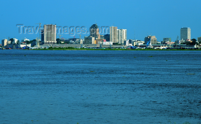 congo-dr43: Kinshasa, Democratic Republic of the Congo: skyline and the Congo river - the city's tallest buildings can be seen, Titanic building, Sozacom / Gecamines tower, BCDC tower - photo by M.Torres - (c) Travel-Images.com - Stock Photography agency - Image Bank
