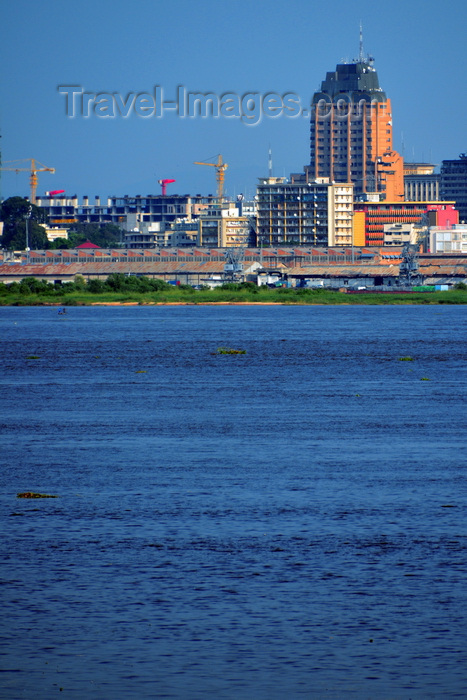 congo-dr44: Kinshasa, Democratic Republic of the Congo: Congo river, the port and the Sozacom / Gecamines tower - Gombe district - photo by M.Torres - (c) Travel-Images.com - Stock Photography agency - Image Bank