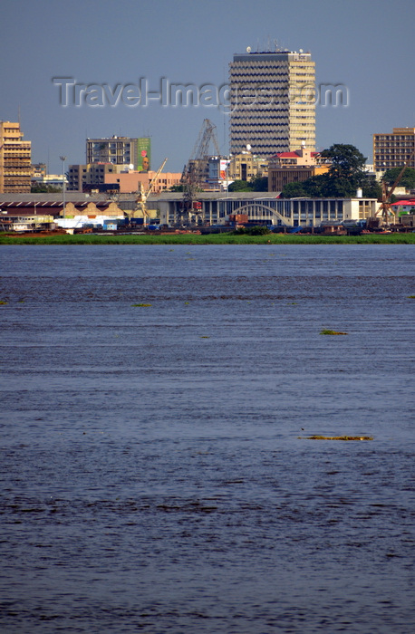 congo-dr45: Kinshasa, Democratic Republic of the Congo: skyline and the Congo river - port Onatra facilities by the Maritime station and the BCDC tower - photo by M.Torres - (c) Travel-Images.com - Stock Photography agency - Image Bank