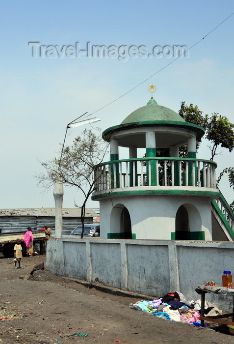 congo-dr8: Goma, Nord-Kivu, Democratic Republic of the Congo: short minaret of the Friday Mosque - photo by M.Torres - (c) Travel-Images.com - Stock Photography agency - Image Bank