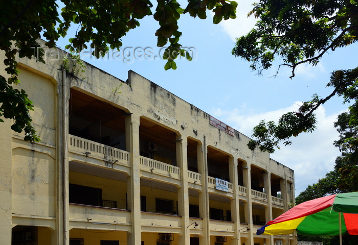 congo38: Brazzaville, Congo: facade of the Management School of the Marien Ngouabi University, corner of Rue Béhangle and Avenue du Maréchal Foch - Université Marien Ngouabi, Institut Supérieur de Gestion - photo by M.Torres - (c) Travel-Images.com - Stock Photography agency - Image Bank