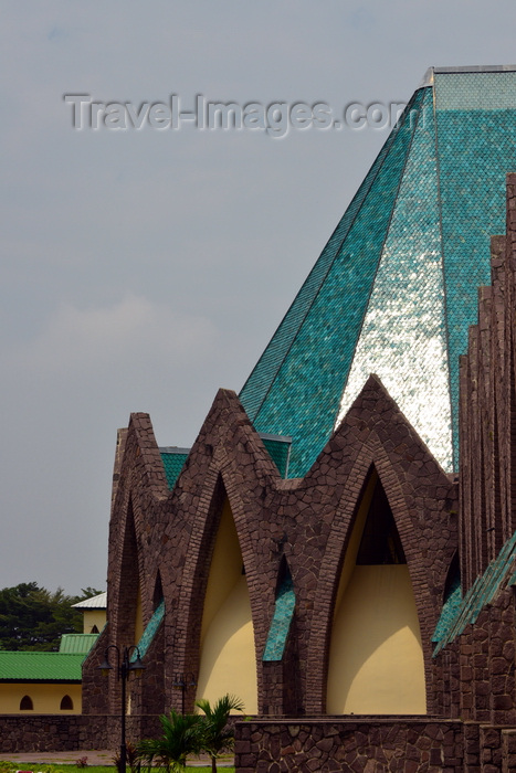 congo50: Brazzaville, Congo: Basilica of Saint'Anne of Congo - sun reflected in the green shingles of the transept -  Basilique sainte Anne du Congo - architect Roger Erell - Rue d'Abomey / Avenue de la Paix, Poto-Poto - photo by M.Torres - (c) Travel-Images.com - Stock Photography agency - Image Bank